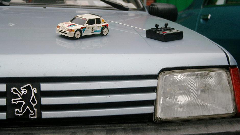 Peugeot-205-1986