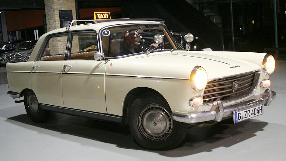 Peugeot-404-Taxi-1963